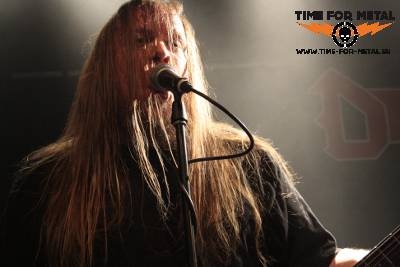 Darkness-1-Live-BlackThrashInferno2014-TimeForMetal